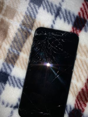 You can see the quality of the phone and it's locked make offers 💰 for Sale in Cicero, IL
