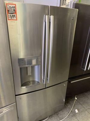 Ge French door refrigerator for Sale in Corona, CA