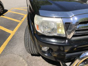 Toyota Tacoma 2010 headlights for Sale in Providence, RI