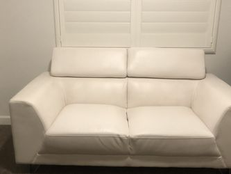 Love Seat And Chair for Sale in Chandler,  AZ