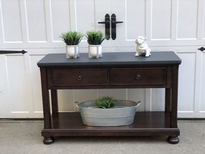 Pottery barn style sofa table. for Sale in Battle Ground, WA