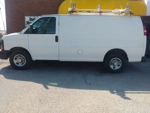 2008 CHEVY EXPRESS 2500 CARGO VAN for Sale in Brook Park, OH
