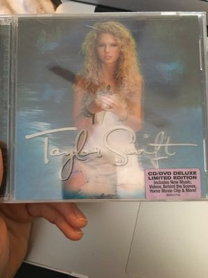 Limited Edition Deluxe Taylor Swift for Sale in Nashville, TN