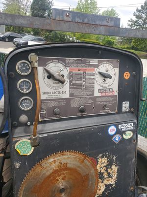 Welder lincoln SA250 for Sale in Andalusia, PA
