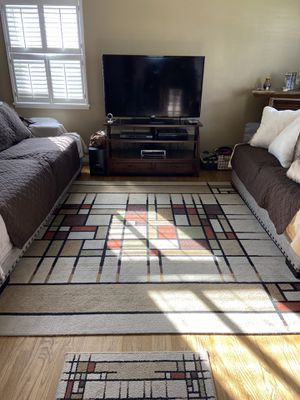 One 8' X 10' Area Rug, two 2' X 6' Matching Runners + 3' X 4' Door mat for Sale in Whittier, CA
