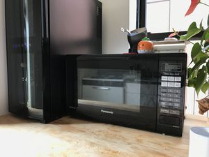 Panasonic NN-SN651B Microwave for Sale in New York, NY