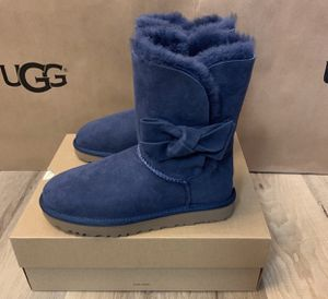 100% Authentic Brand New in Box UGG Daelynn Boots with Bow / Color: Navy / Women size 6 and 8 for Sale in Walnut Creek, CA