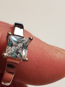 Size 9 Fashion Solitaire Silver Tone Ring With cz Stone for Sale in Wenatchee,  WA