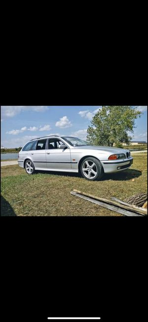 2000 BMW E39 528i 5 speed for Sale in Akron, OH