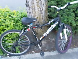 Black and white 26 inch downhill mountain bike full suspension for Sale in Tacoma, WA