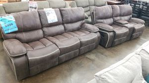 Standard Arlington reclining sofa loveseat for Sale in Lexington, KY