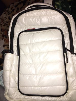 ALL WHITE SKUTR BACKPACK for Sale in Bakersfield, CA