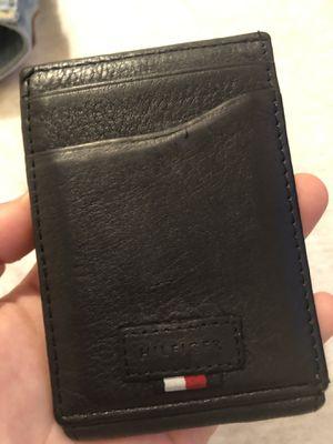 tommy hilfiger wallet for Sale in Spring, TX