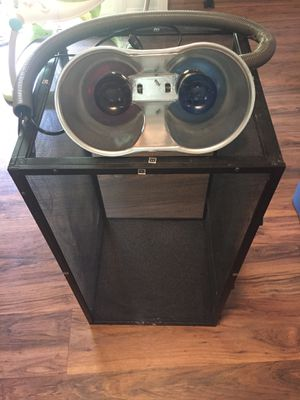 Reptile cage with lights. for Sale in Belmont, NC