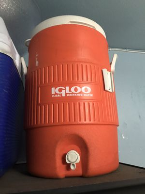 Igloo cooler for Sale in Los Angeles, CA