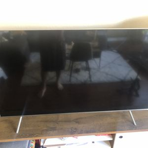 55 Inch QLED Samsung *FOR PARTS* for Sale in Pasadena, CA