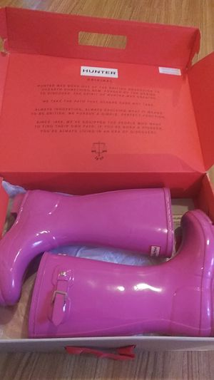Size 2 Hunter Rain Boots for Sale in The Bronx, NY