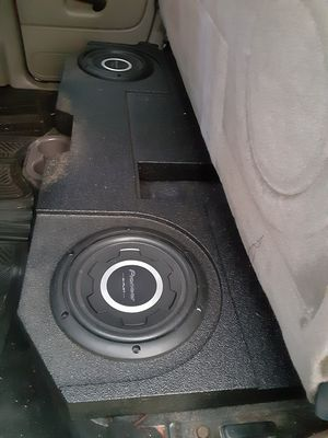 Pioner subwoofers 10 and punch amplifier for Sale in Magnolia, TX