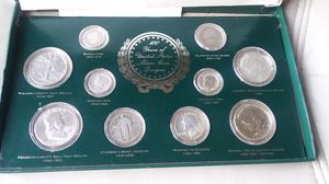 SILVER COINS IN BOX for Sale in Henderson, NV