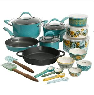 Pioneer Woman 24 pieces cookware set for Sale in Port St. Lucie, FL