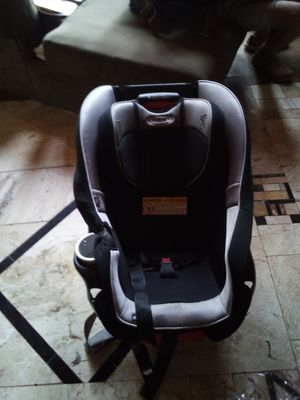 Greco infant to toddler car seat for Sale in Oklahoma City, OK