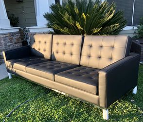 ⭐️New Mid Century Smith Faux Leather Upholstery Sofa. (LOOK @ All Pics)P/U By ASHLAN AND TEMPERANCE IN CLOVIS for Sale in Clovis,  CA