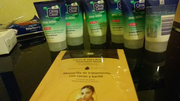 6 clean and clear deep action travel sized face wash and fifteen minute cocoa and shea butter treatment mask