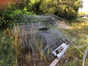 Fencing wire for cash. Pick up and claim by weight your cash. for Sale in Vero Beach, FL