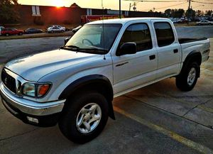 ֆ14OO 4WD Toyota Tacoma Clean for Sale in Crandall, GA