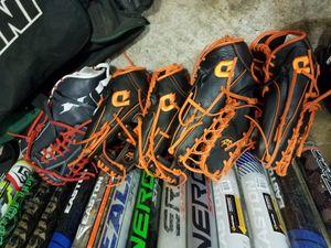 Softball baseball gloves for Sale in Roselle Park, NJ