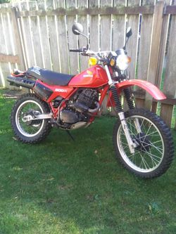 1982 Honda XL500R endruo motorcycle runs great with title no trades and won't respond to lowballers for Sale in Lake Stevens,  WA
