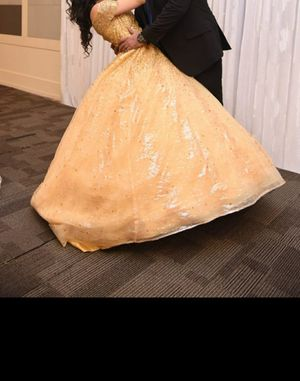 Beautiful prom Golden princess dress for Sale in Taylor, MI