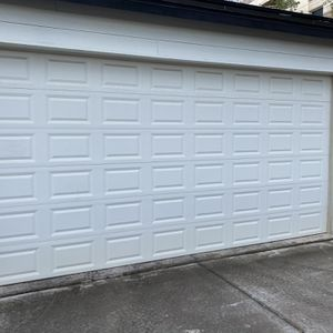 18' x 9' Aluminum Clopay Double Garage Door for Sale in Phoenix, AZ