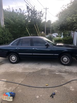 1997 ford crown Vic for Sale in Marietta, GA