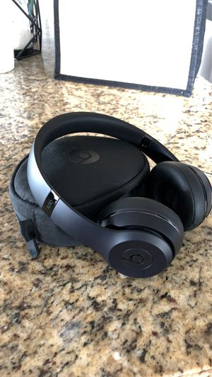 Beats by Dr Dre Solo Bluetooth & Wired headphones for Sale in Kissimmee, FL