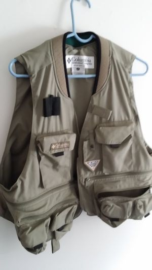 new x large fishing vest made in usa perfect condition for Sale in Milford, CT