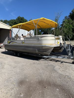 22 foot pontoon boat with trailer for Sale in Thonotosassa, FL