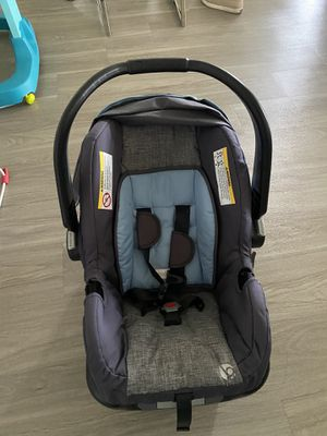 Baby Trend car seat with stroller for Sale in Miramar, FL