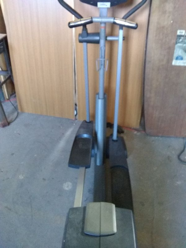 NordicTrack cx938 elliptical machine