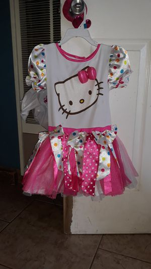 Hello kitty costume size 5t for Sale in Highland, CA
