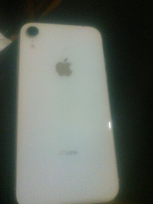 iphone XR 64g for Sale in Fresno, CA