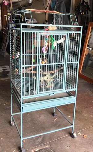 Cage for large bird. CLEAN. Solid quality. Accessories included. Similar on Amazon cost much more $ for Sale in San Francisco, CA