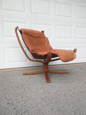 """Mid-Century 1970s Norwegian """"Falcon"""" chair for Sale in Duluth, GA"""