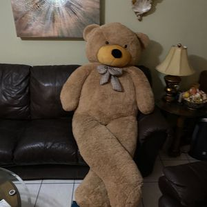 6 1/2 Foot Teddy bear, Cedar Chest, End Table for Sale in Fort Lauderdale, FL