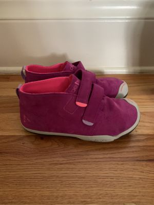 Plae shoes size 2.0 girls for Sale in Tampa, FL