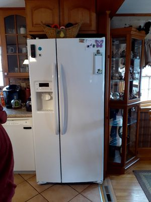 Side by side refrigerator for Sale in Holbrook, MA