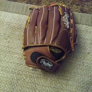 Softball Rawlings Gloves for Sale in Redwood City, CA