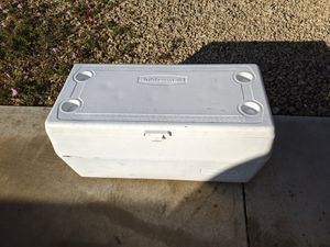 Rubbermaid 120 qt. Cooler for Sale in Henderson, NV