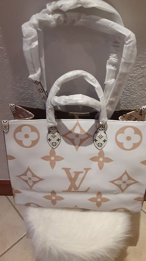 Shoulder bag tote for Sale in Miami Lakes, FL