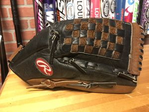 """Rawlings Renegade 13"""" softball glove for Sale in Annandale, VA"""